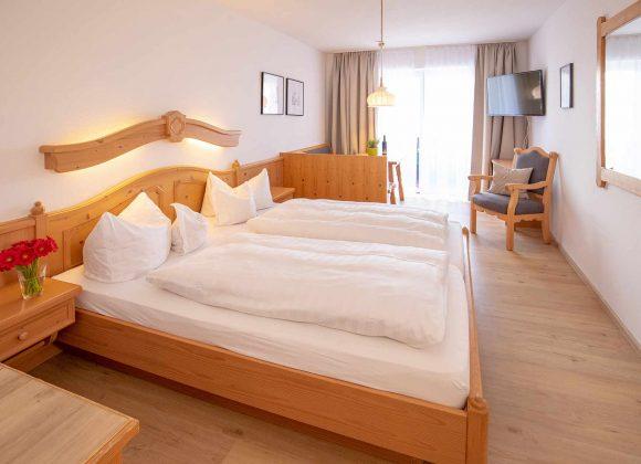 Doppelzimmer seitlicher Seeblick